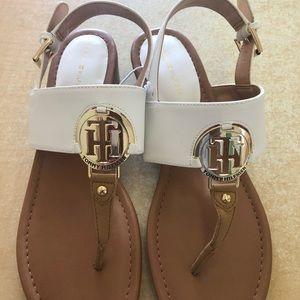 Brand new white tommy hilfiger sandals.